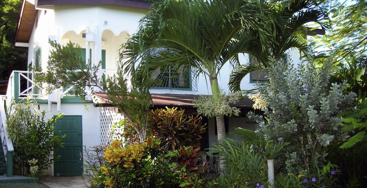 Auldwyn Lindsay Apartments - a myTobago guide to Tobago holiday accommodation