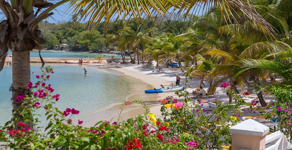 Coco Reef Resort - a myTobago guide to Tobago holiday accommodation
