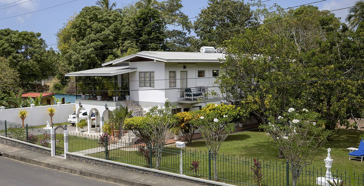 Arnos Vale Vacation Apartments - a myTobago guide to Tobago holiday accommodation
