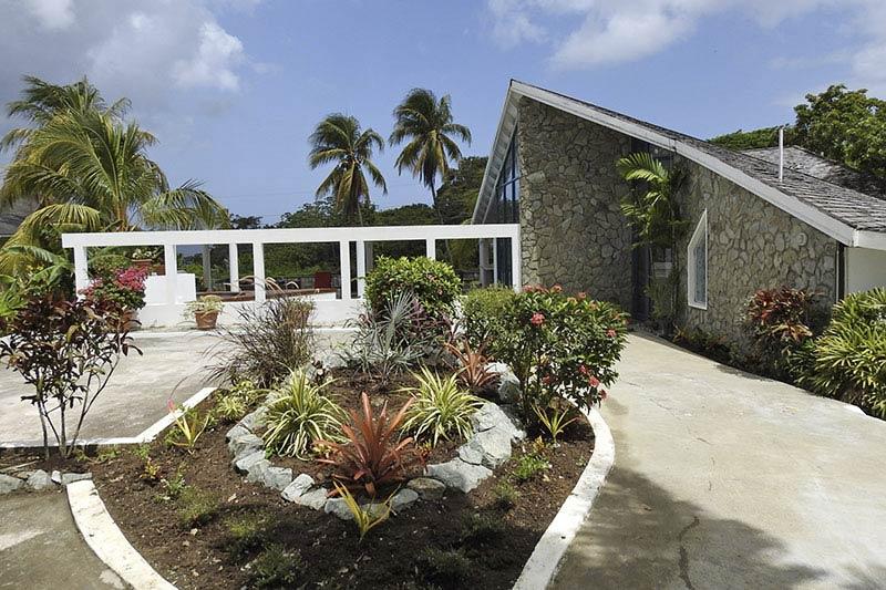 Anglesea, Mount Irvine, Tobago