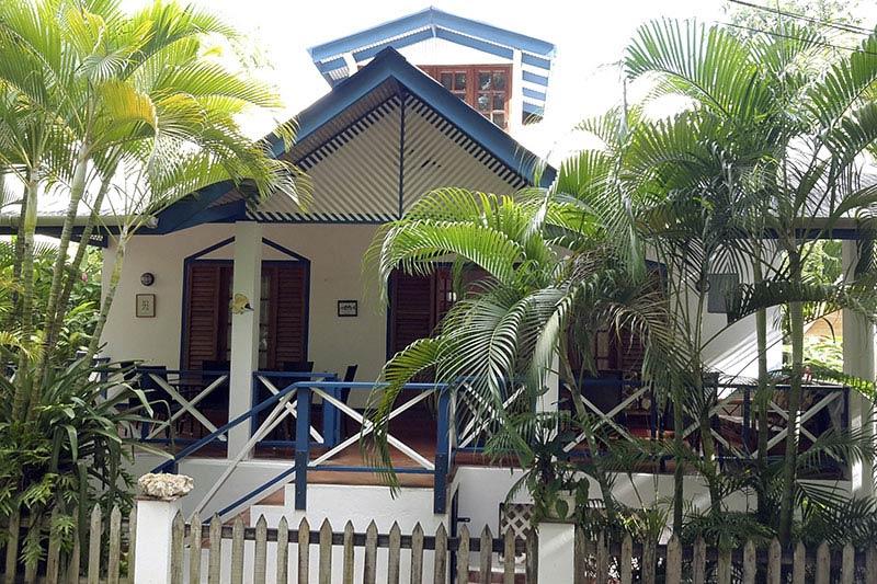 Jemas Guesthouse, Black Rock, Tobago