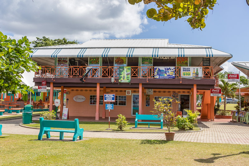 Waving Gallery Restaurant & Bar, Store Bay, Crown Point, Tobago <small>(&copy; S.M.Wooler)</small>